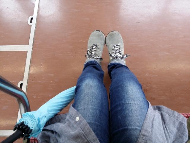 雨の日の電車